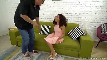 I'm a naturally special nanny! - Refresh Petite, Bruno SX