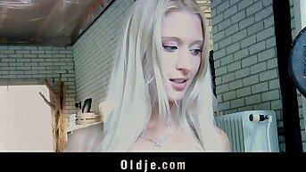 Old lucky coxcomb fucks sexy blonde vanguard gym